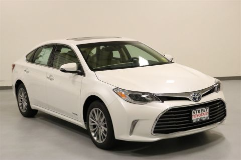 New 2018 Toyota Avalon Hybrid Limited FWD 4dr Car