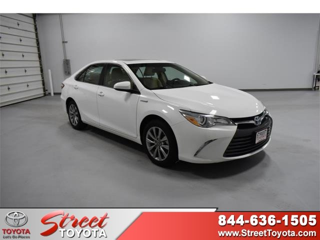 Certified Pre Owned 2017 Toyota Camry Hybrid Xle
