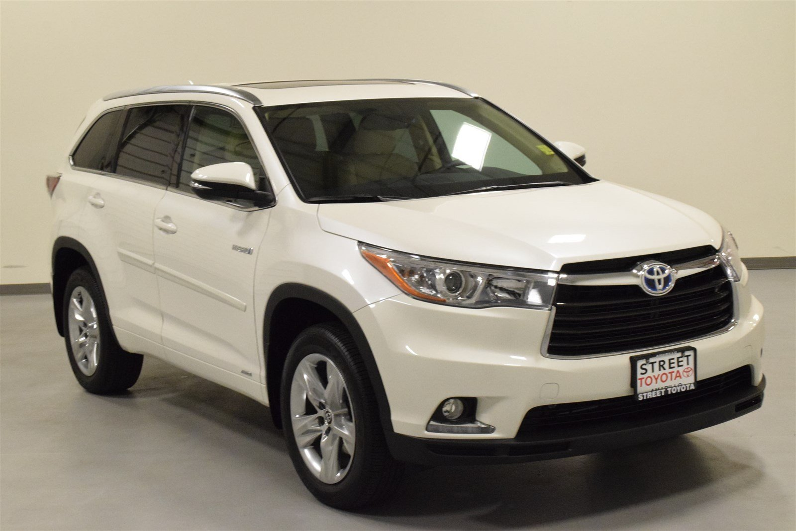 certified pre owned 2016 toyota highlander hybrid for sale. Black Bedroom Furniture Sets. Home Design Ideas