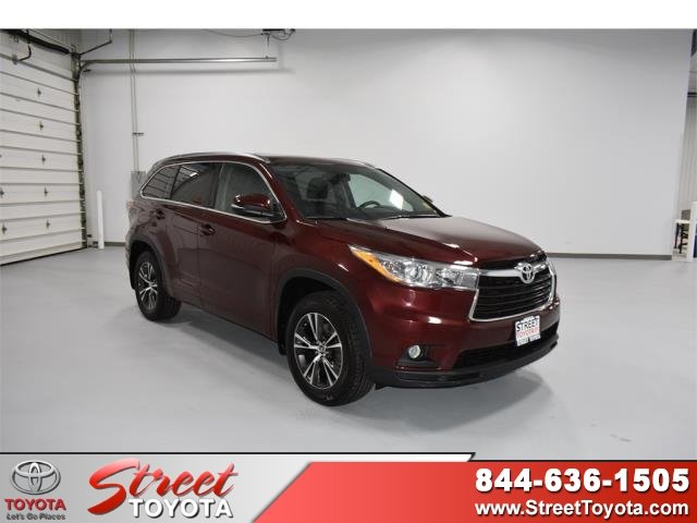 Research the Certified Used 2016 Toyota Highlander for sale in ... 8f74117cbd39