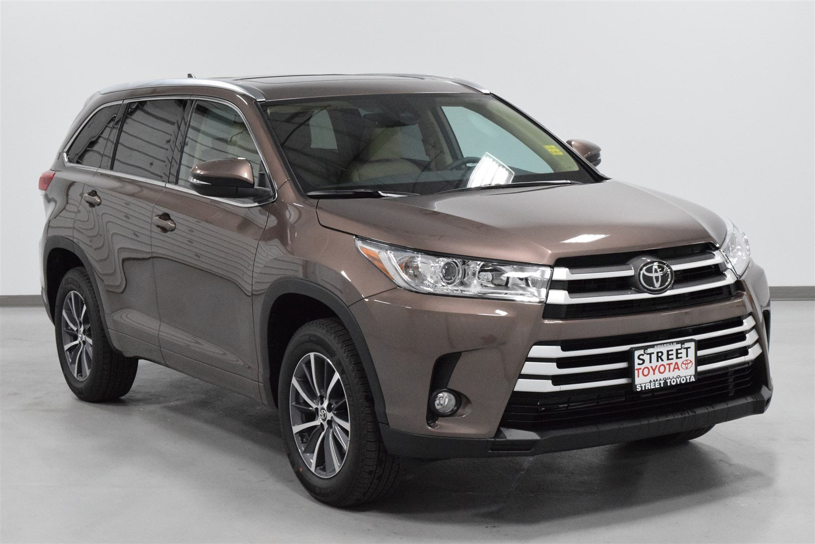 new 2018 toyota highlander xle for sale amarillo tx 19597. Black Bedroom Furniture Sets. Home Design Ideas