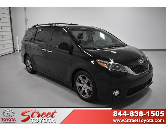 Used Toyota Sienna For Sale >> Certified Pre Owned 2017 Toyota Sienna Se Fwd Mini Van Passenger For Sale In Amarillo Tx