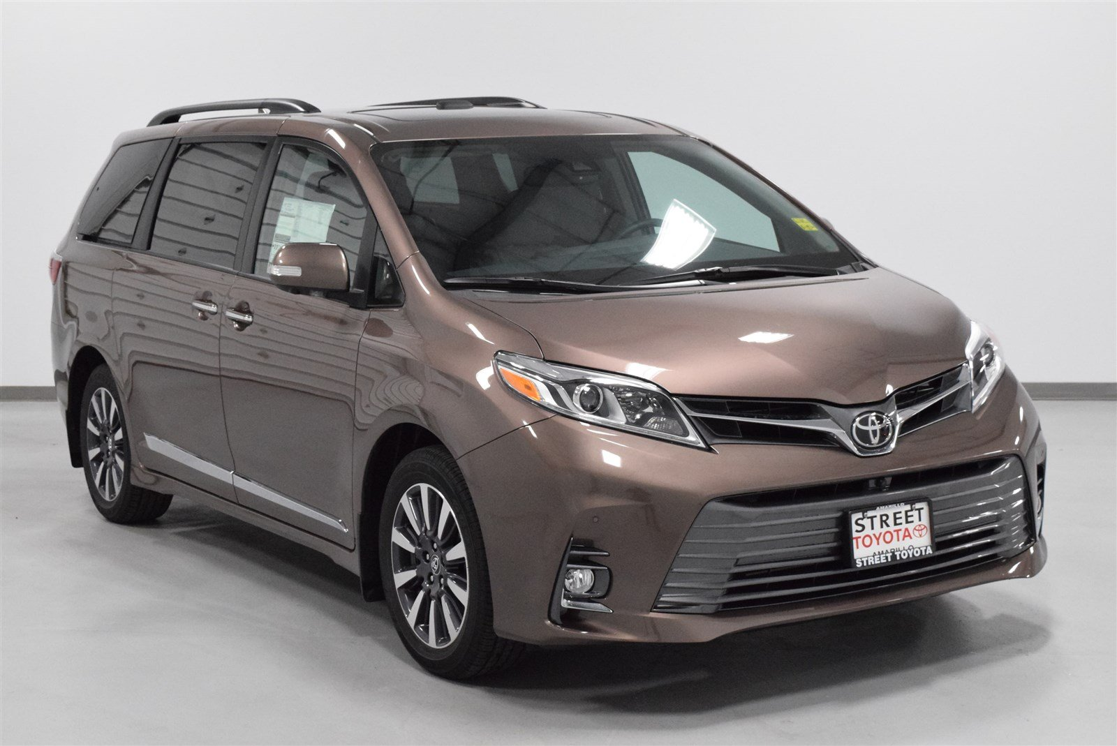 New 2018 Toyota Sienna Limited Premium