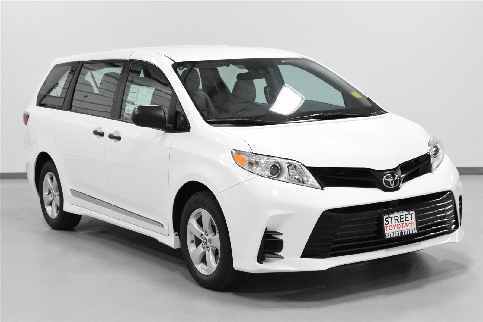 new 2018 toyota sienna l for sale amarillo tx 19939. Black Bedroom Furniture Sets. Home Design Ideas