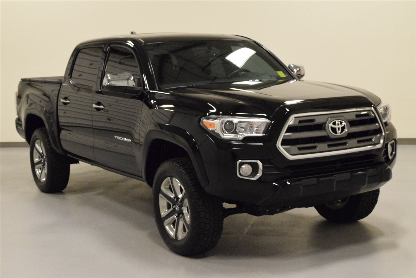 certified pre owned 2016 toyota tacoma for sale in amarillo tx 44241. Black Bedroom Furniture Sets. Home Design Ideas