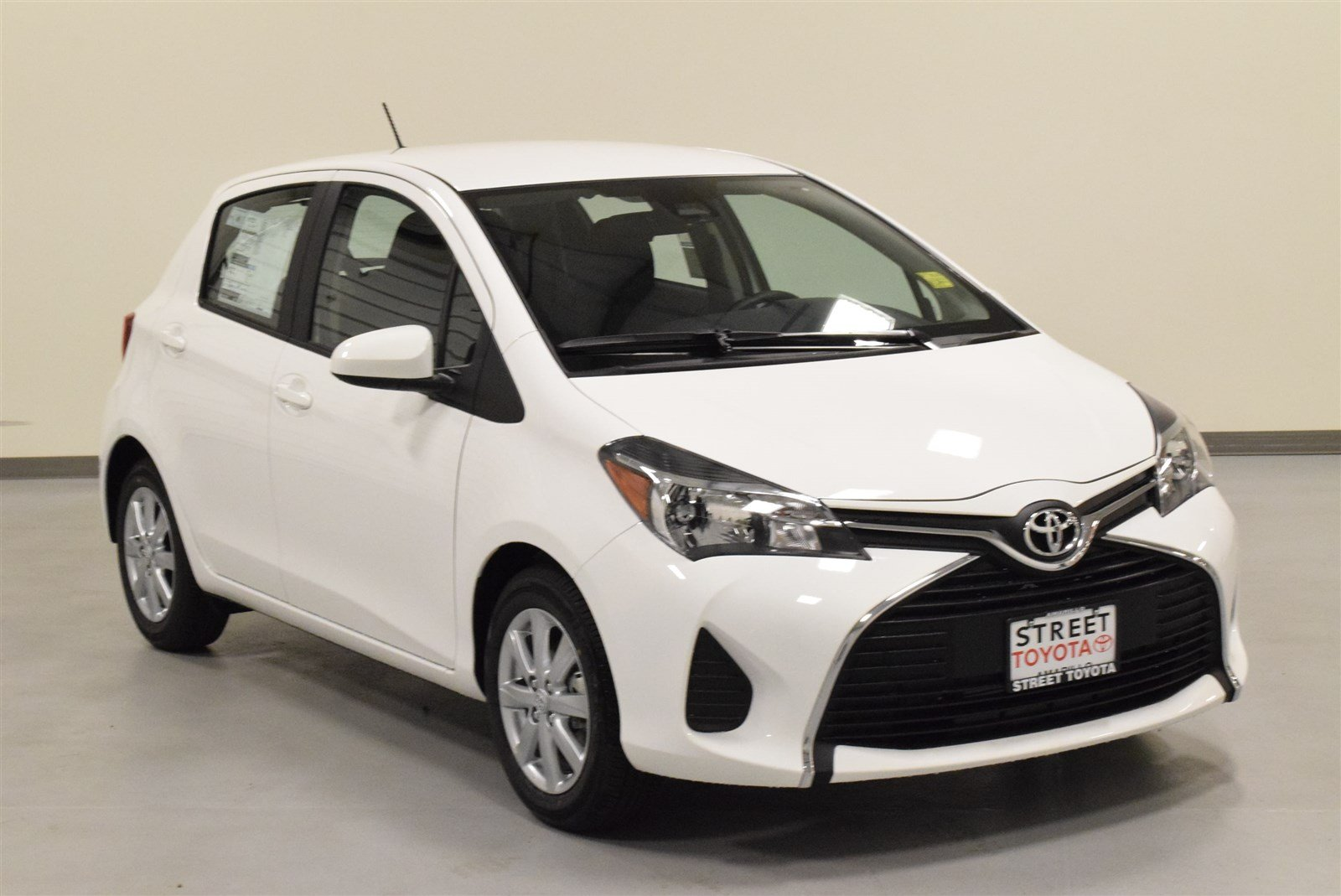 new 2017 toyota yaris for sale in amarillo tx 17751. Black Bedroom Furniture Sets. Home Design Ideas